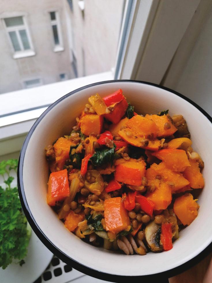 Herbstliche Kürbis-Pasta-Bowl